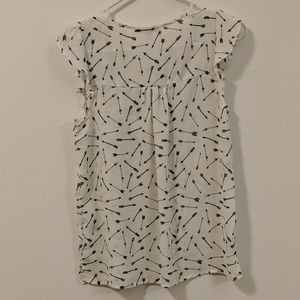 crescent & willough Tops - Small, sleeveless top with arrows, size small
